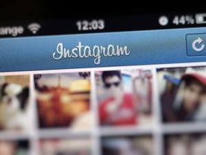 Ibu Milenial Suka Belanja di Instagram