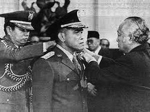 Soeharto dan Isu Agama di Tubuh Tentara