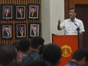 Luhut: Buruh Cina ke Indonesia untuk Kerjakan Investasi