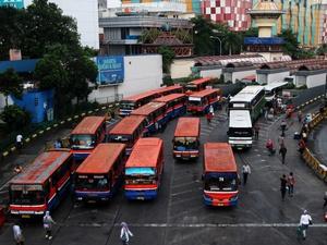 Potret Sehari-hari Sopir Metromini: Copet Saja Sudah Ogah Naik