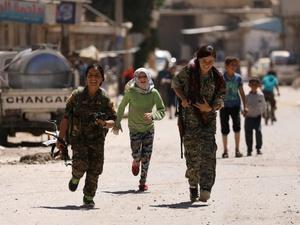 Kelompok Gabungan Suriah Berhasil Rebut Distrik dari ISIS