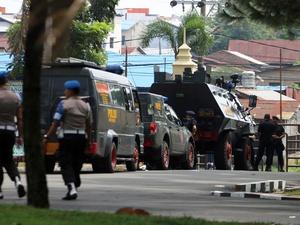 Teror Hari Raya untuk Polisi