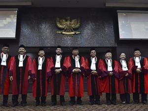 Lobi-Lobi Arief Hidayat Jelang Uji Kepatutan Ketua MK