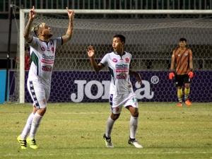 PS TNI vs Semen Padang FC: Laga Adu Serangan Balik