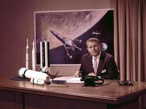 Wernher von Braun Sosok di Balik Mimpi Menjejak Bulan