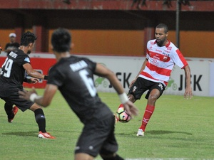 Hasil Laga Liga 1: Madura United Bantai Persegres Gresik 3-0