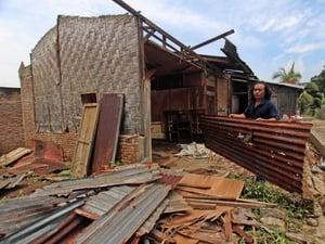 Puting Beliung Rusak Rumah di Bekasi dan Muncul di Kepulauan Seribu