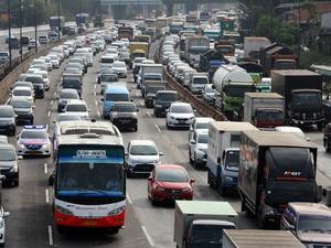 Mudik Imlek 2018: 78.000 Kendaraan akan Lintasi Jakarta-Cikampek