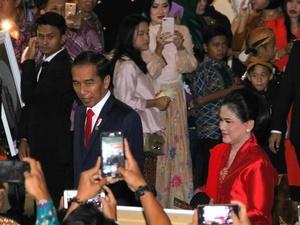 Ditanya Soal Cawapres, Jokowi   : Pendamping Saya Iriana