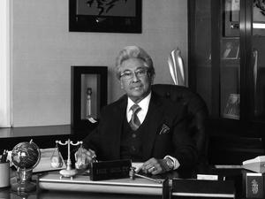 Adnan Buyung Nasution, Pendiri dan Penjaga YLBHI