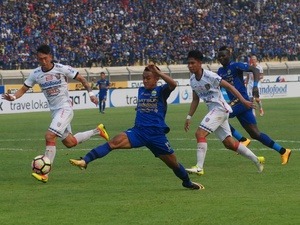 Live Streaming Liga GoJek Traveloka Persib vs Bhayangkara FC