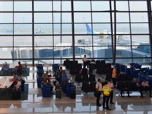 Cuaca Ekstrem, Penumpang Bandara Soe   tta Diimbau Berhati-hati