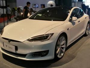 Tesla Tarik 11.000 Mobil SUV Model X karena Jok Bermasalah
