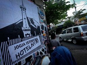 Dari Munir Hingga Ormas: Cerita di Balik Poster Politik Anti-Tank