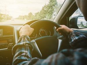 Hindari Kecelakaan Mobil Seperti Setnov dengan Pakai Sabuk Pengaman