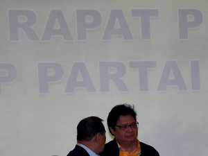 Isyarat Campur Tangan Jokowi Tentukan Ketum Golkar Dikritik