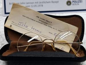Buku Harian & Kacamata John Lennon yang Dicuri Ditemukan di Berlin