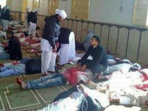 Teror Bom dan Tembakan Tewaskan Ratusan Jemaah Salat Jumat di Mesir