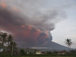 Gunung Agung Tremor Melebihi Ambang Batas selama 34 Menit