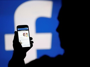 Kronologi #DeleteFacebook Pendiri WhatsApp Soal Cambridge Analytica