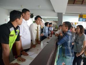 Bandara Ngurah Rai Ditutup Hingga Kamis Akibat Abu Gunung Agung