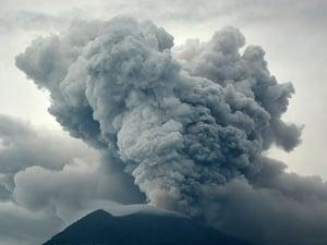 Teknologi Pesawat Terbang Menghindar 'Ranjau Udara' Abu Vulkanik