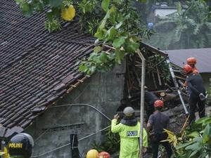 Siklon Cempaka Dua Hari Memicu 114 Titik Bencana di Yogyakarta