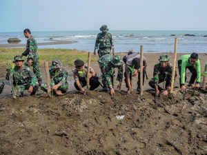 Warga Kampung Dadap Laporkan Intimidasi TNI ke Komnas HAM