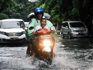Anies Bersyuk   ur Banjir di Sejumlah Wilayah Jakarta Cepat Surut