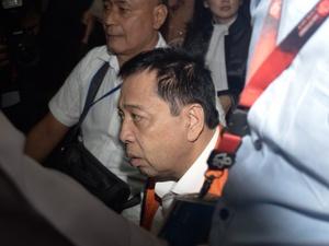 Hakim Berkali-kali Bertanya, Novanto Berkali-kali Menunda