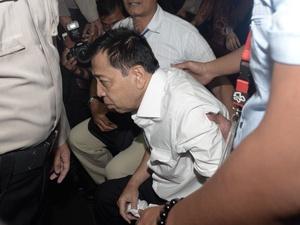 Hakim Peringatkan Novanto Sebelum Pembacaan Dakwaan