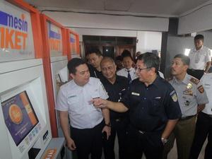 Tiket Kereta Api Ekonomi Surabaya-Jakarta Ludes Jelang Libur Natal