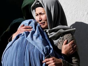 Bom Bunuh Diri di Kantor Berita Afghanistan Tewaskan Puluhan Orang