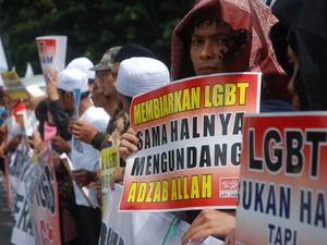 Pasal Anti-homoseksual adalah Produk Hukum Belanda
