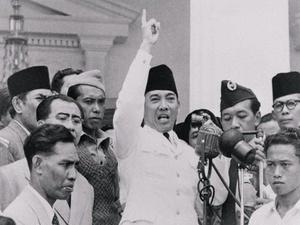 """Resolusi Tahun Baru ala Sukarno: """"Rebut Papua dari Belanda"""""""