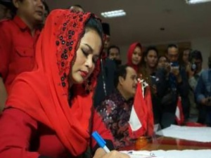 Pilgub Jatim: Puti Sebagai Pertaruhan Nama Besar Trah Sukarno