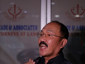 KPK Geledah Kantor Fredrich Yunadi dan Apartemen    Dokter Bimanesh