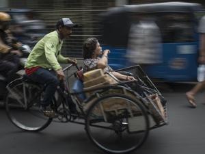 Becak dari Daerah Masuk ke Jakarta, Satpol PP: akan Kami Tangkap!