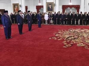Jenderal di Lingkaran Istana, Strategi Baru Jokowi Menjelang 2019