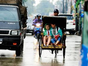 Anies akan Izinkan Becak: Tukang Becak di Daerah Siap Masuk Jakarta