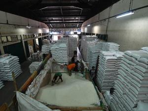 Impor Beras Mulai Jalan Pekan Depan, Proses Tender Selesai Hari Ini