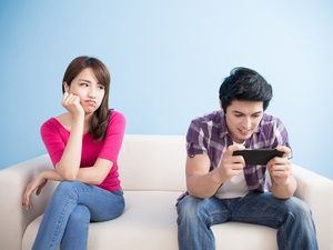 Media Sosial: Perekat atau Perenggang Hubungan?