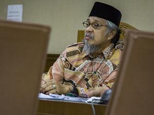 Gubernur Sultra Nur Alam Pinjam Nama Perusahaan untuk Buat Rekening