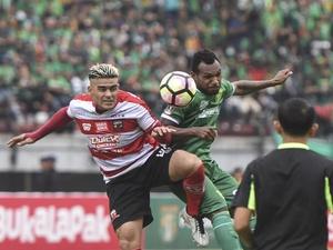 Hasil Madura United vs Persebaya Skor 4-5  Adu Penalti