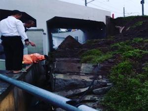 Longsor Jl Perimeter Selatan Bandara Soetta Jebak Tiga Korban