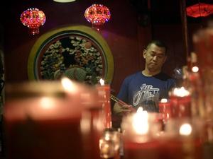Ritual Malam Imlek di Petak Sembilan