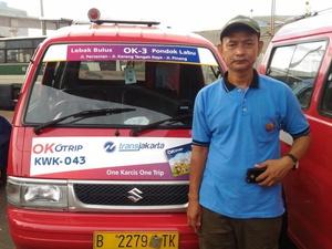 Menjajal Angkot Ok Otrip: Bersih, Nyaman, Tapi Masih Sepi Peminat