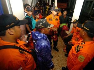 Longsor Brebes: 2 Korban Ditemukan, 16 dalam Pencarian