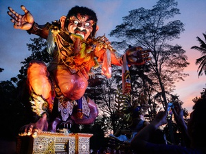 Melasti dan Parade Ogoh-Ogoh Jelang Hari Raya Nyepi