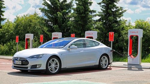 Tesla Pamerkan Mobil Listrik Berharga Rp4 4 M Di Iims 2017 Tirto Id